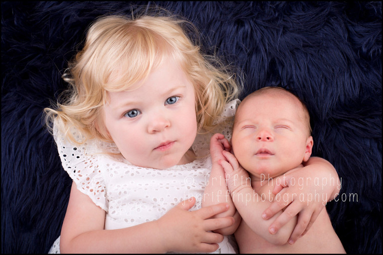 virginia beach newborn baby photographer sibling