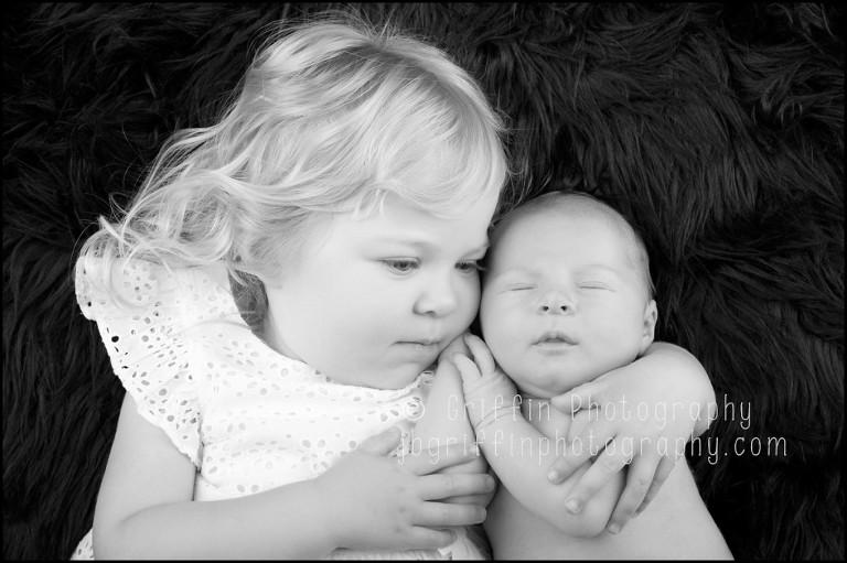 virginia beach newborn photographer sibling