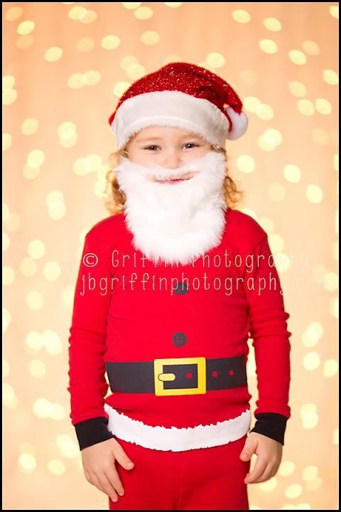 virginia beach christmas portraits kid santa lights